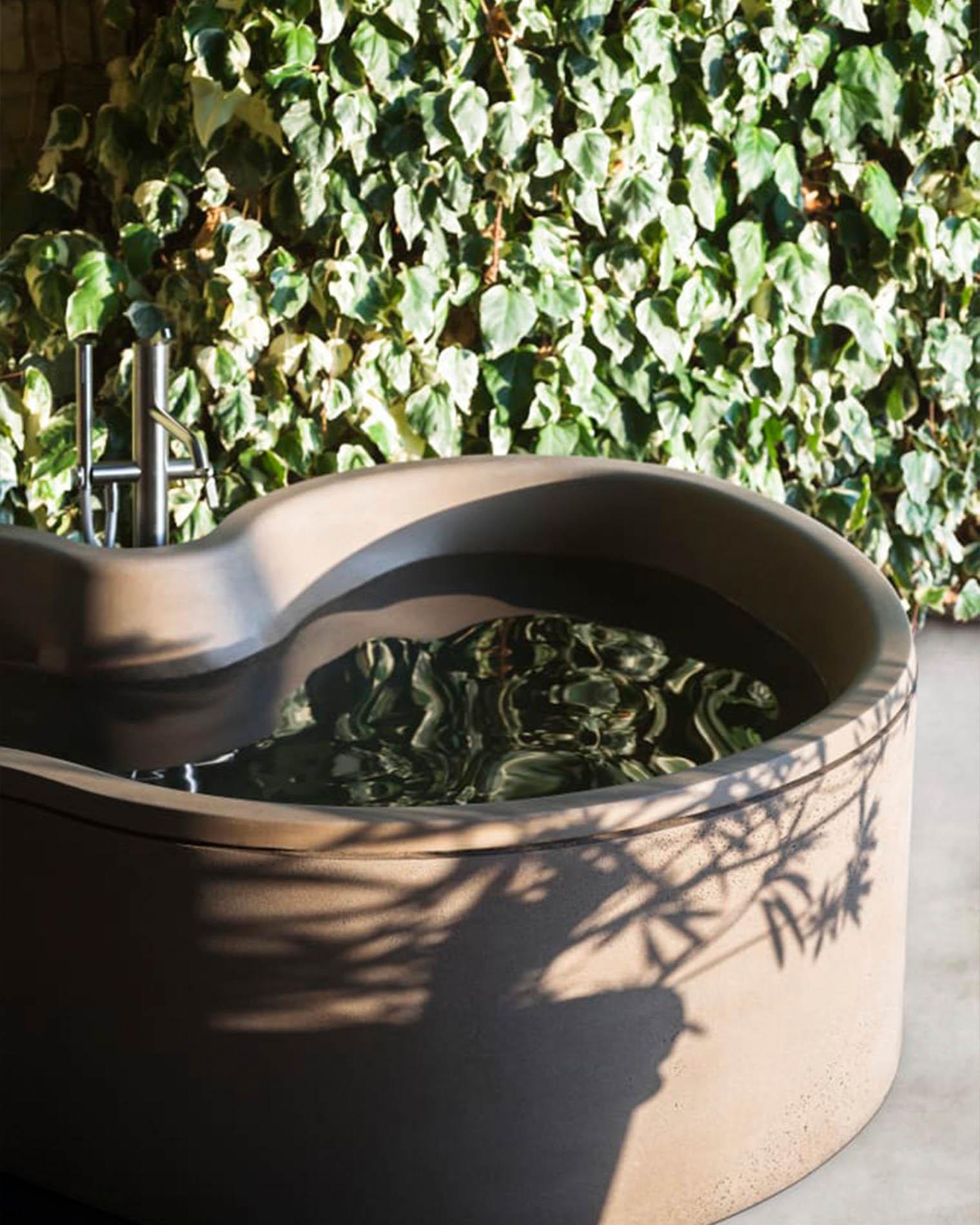 Bañera para jardines o terrazas diseñada por StudioMK27